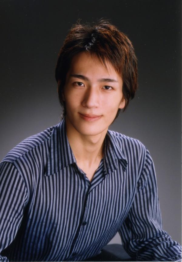 菊地研カラ―(正面)